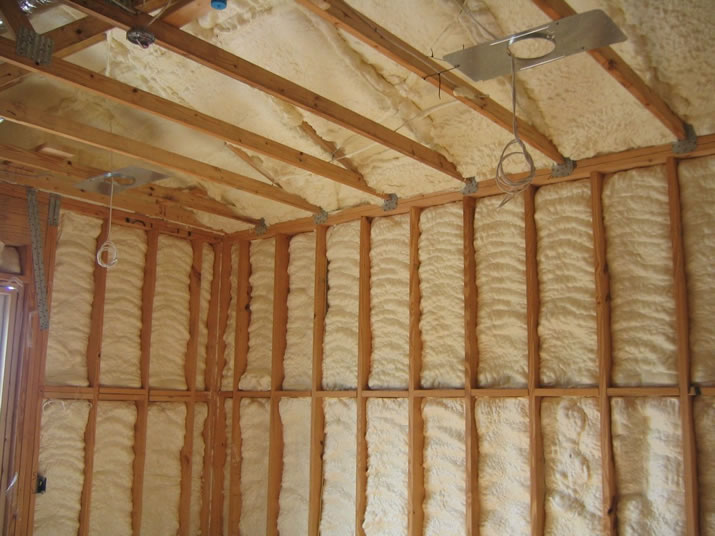 3 Reasons to Choose Spray Foam Insulation