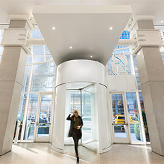 5 Revolving door safety tips to avoid injury with public users