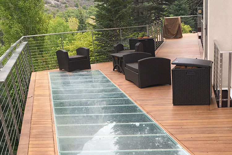 7 Fun ideas using glass to jazz up your outdoor patio or deck this summer