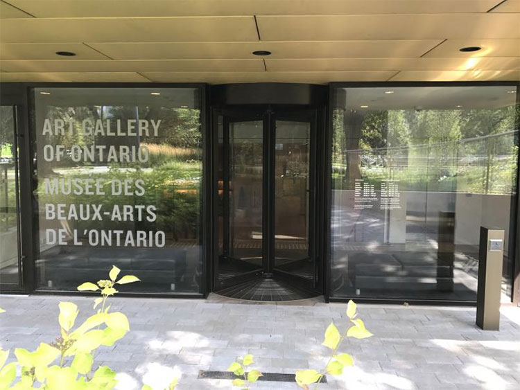 Art Gallery of Ontario enjoys more space and comfort with BoonAssist TQ revolving door entrance