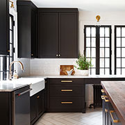 Cooking Up Character: 6 Rich Colors for Gourmet Kitchens