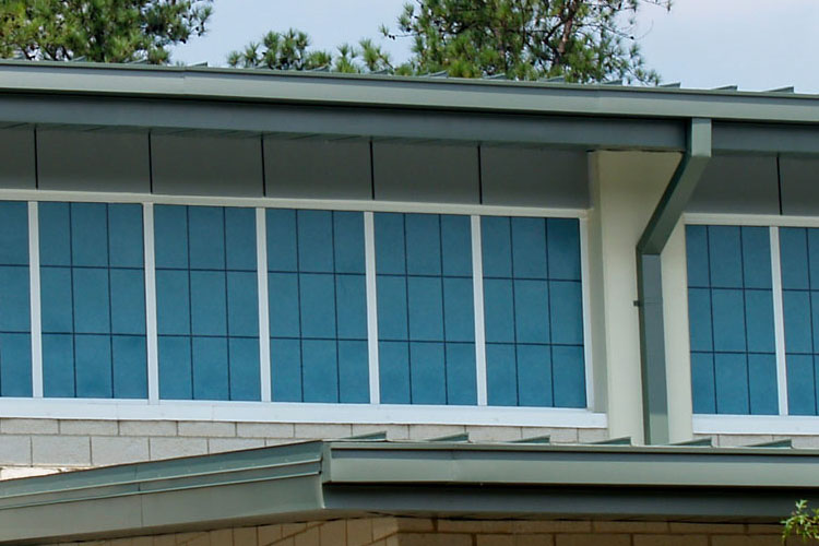 Great thermal performance + corrosion resistance = Clima-Tite™ translucent wall systems with fiberglass framing