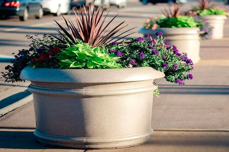 How to Make Your Commercial Planters Last Longer