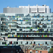 "Kawneer Brings a 12-Story ""Glass Box"" to Life at the University of Toronto"