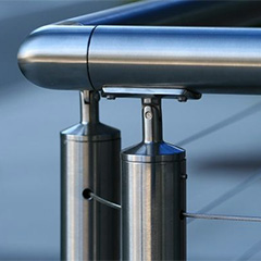 Round stainless steel railing systems