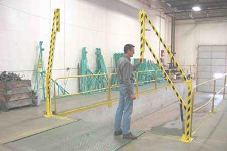 Aecinfo Com News Sentryguard Cantilevel Gate From Garlock Safety Systems