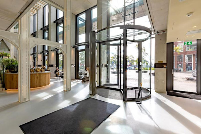 The QO Hotel Installs Boon Edam Revolving Door to Achieve LEED Platinum Certification