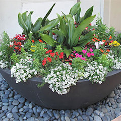 These custom outdoor planters are the most durable on the market–find out why!