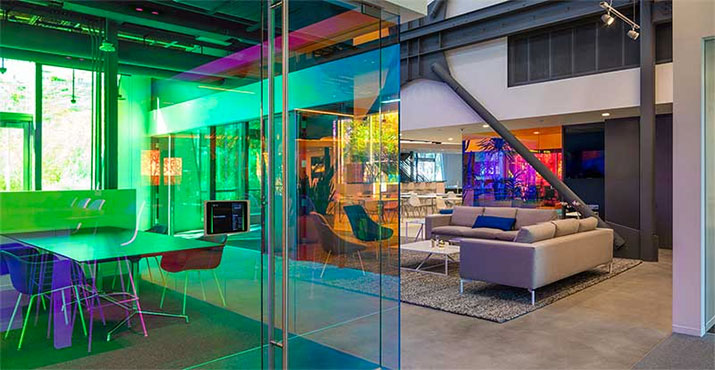 Using Glass Creatively In Office Interiors